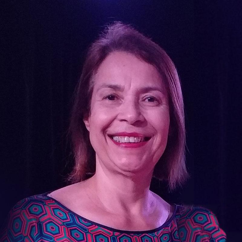 Eliete Murari é professora de canto na EM&T School of Rock