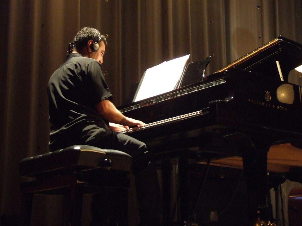 Emilio Mendonça é professor de teclado e coordenador do IT&T