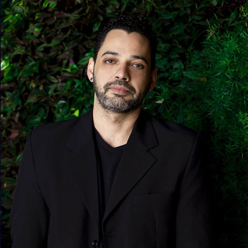 Fabiano Paz é professor de bateria na EM&T School of Rock