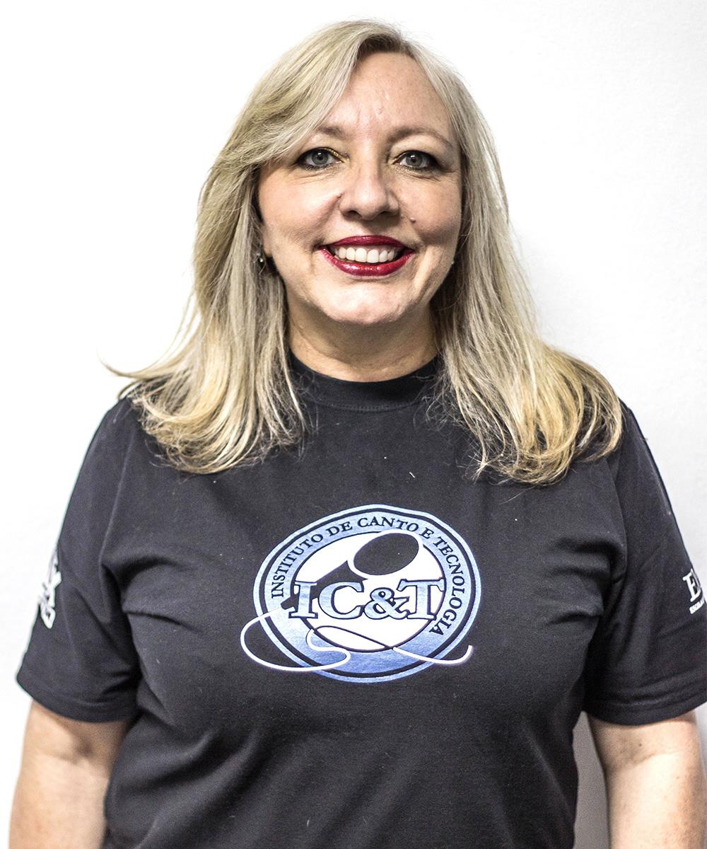 Vivi Keller é professora de canto e coordenadora do IC&T