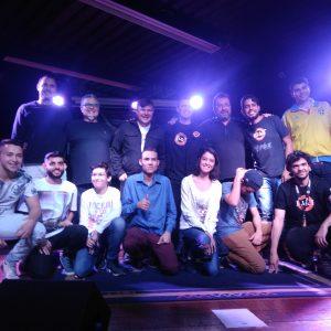 Alunos do IB&T no palco: veja fotos e um vídeo