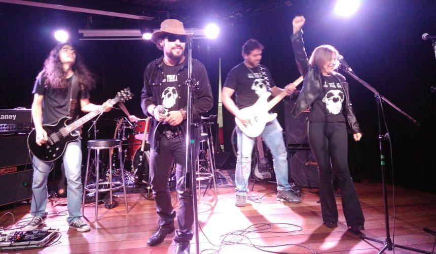 Aunos de canto da EM&T: Sábado teve Rock in Concert no auditório da EM&T