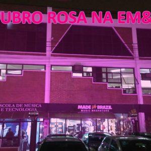 Outubro Rosa na EM&T: Um alerta sobre o câncer de mama