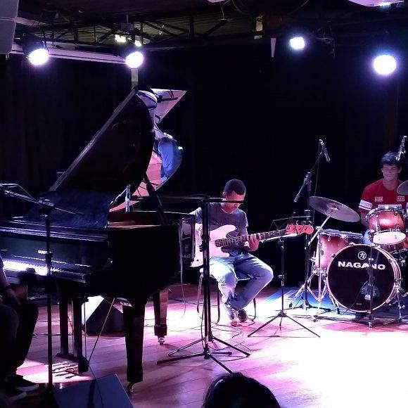 Jazz no Pop: Adolfo Mendonça na EM&T