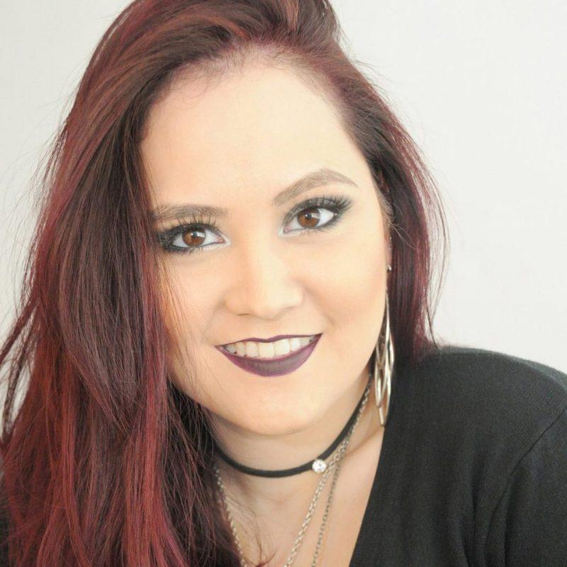 Bruna Higs é professora de canto na EM&T School of Rock