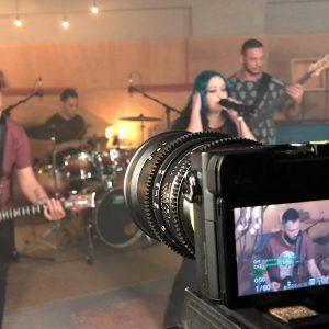 Alunos nos estúdios Som Livre: Veja teaser
